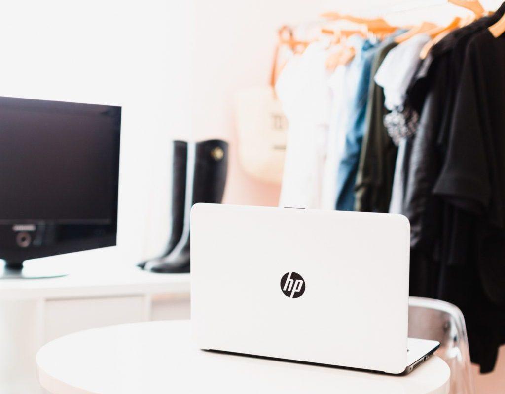"Tech Meets Style: New HP 17"" Notebook | Stephanie Drenka"