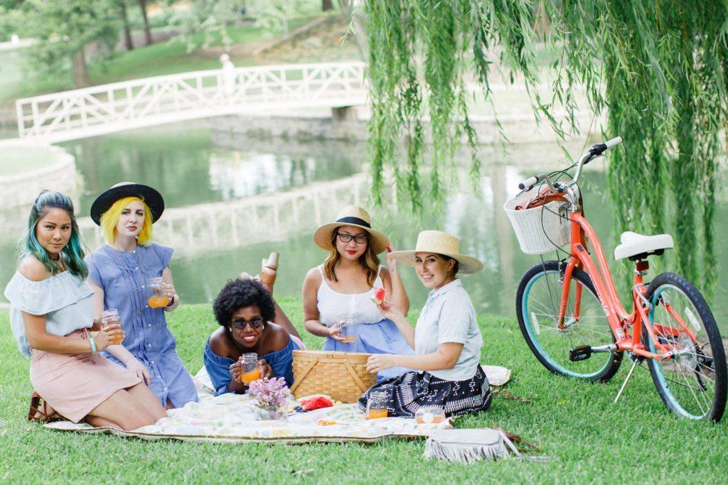 Diversity Chic: Sunday in the Park | Stephanie Drenka