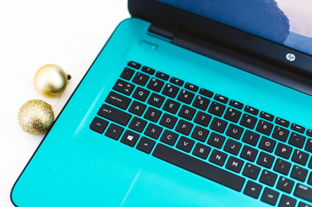 hp-17-inch-notebook-teal-9318
