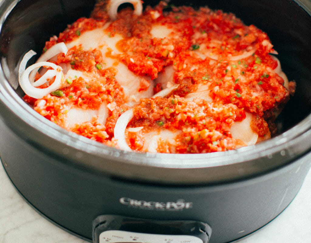 Whole30 Crockpot Salsa Chicken | Stephanie Drenka