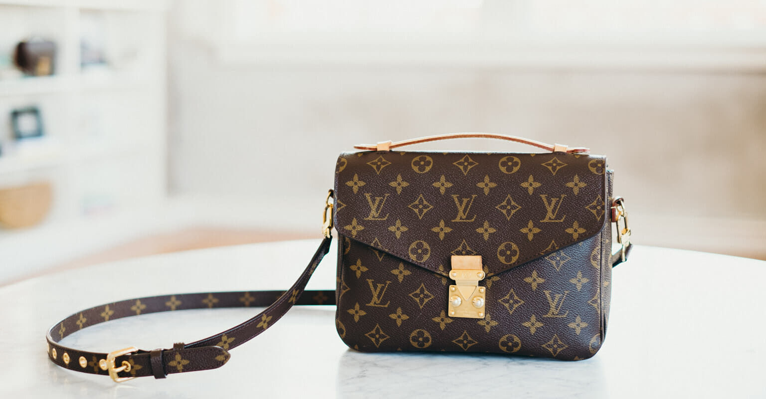 28023c2138b What's In My Purse: Louis Vuitton Pochette Metis