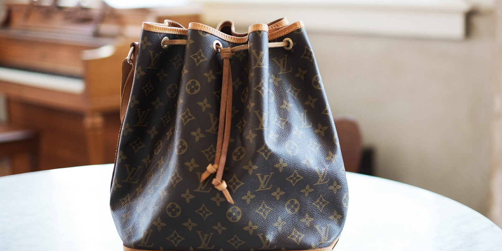 c63e8c83ab9 Louis Vuitton Noé | How to Restore a Vintage LV Bag | What's In My Purse